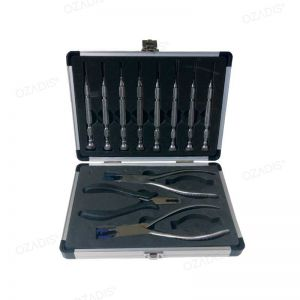 Case of screwdrivers, nutdrivers & pliers